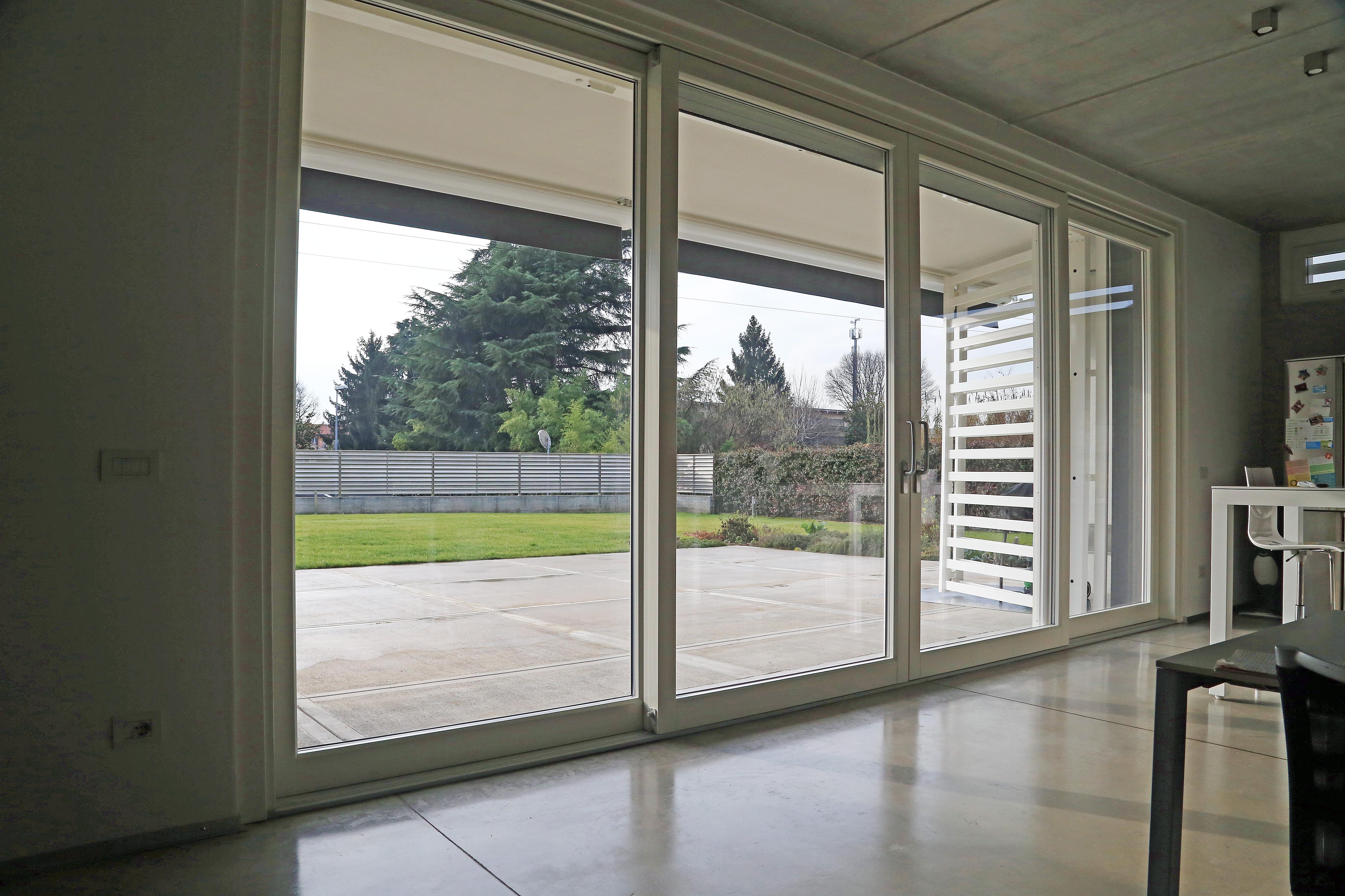 Finestra alzante scorrevole intermedio e climatech - Porte e finestre vicenza ...